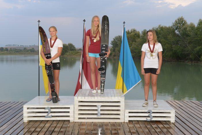 Gold Medal waterski Adrija Runge